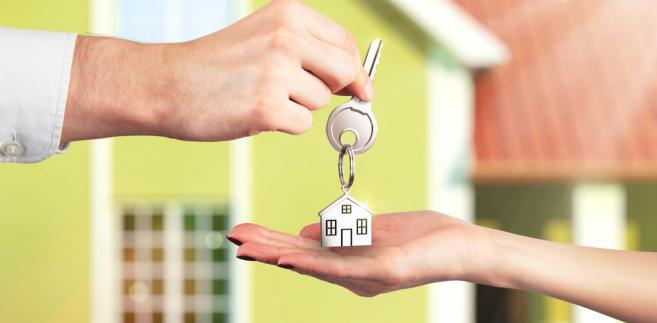 Właściciele mieszkań i domów jednorodzinnych zapłacą niewiele więcej niż w tym roku