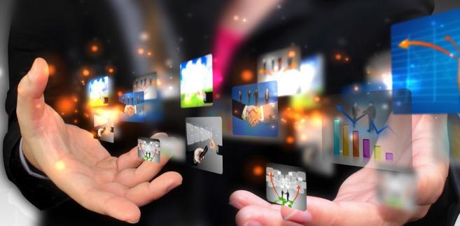 Biura reklamy TVN i Polsatu sprzedają dziś czas znakomitej większości telewizji komercyjnych w Polsce.