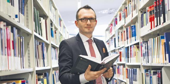 Artur Rycak, doktor, wykładowca na Uczelni Łazarskiego, sędzia Sądu Rejonowego dla m.st. Warszawy, przez siedem lat pracował w departamencie sądów, organizacji i analiz wymiaru sprawiedliwości Ministerstwa Sprawiedliwości/ fot. Wojtek Górski.