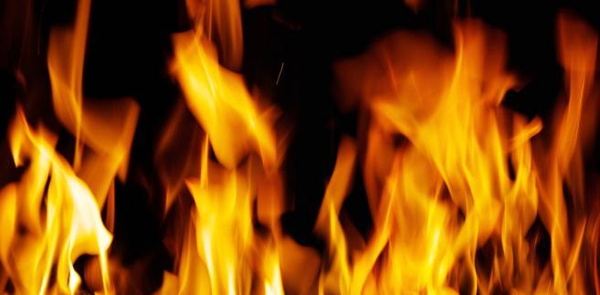 Świadczenia dla rodzin po pożarze nie z pieniędzy na zarządzanie kryzysowe
