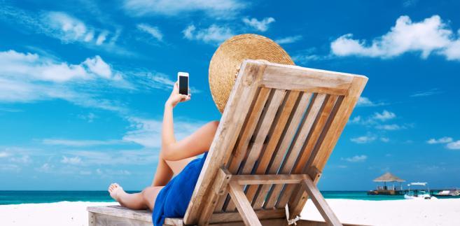 wakacje-roaming-smartfon
