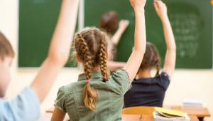 Zarówno po stronie MEN, jak i samorządu jest zgoda na tzw. standaryzację w edukacji.