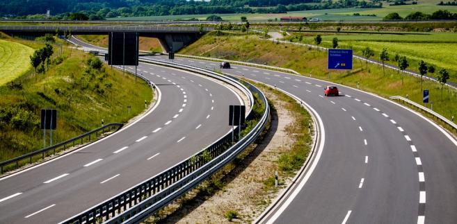 Generalna Dyrekcja Dróg Krajowych i Autostrad nie ukończyła wciąż w całości żadnej autostrady ani drogi ekspresowej.