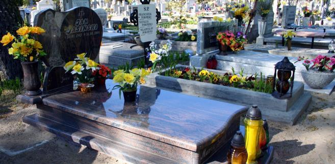 grób, cmentarz