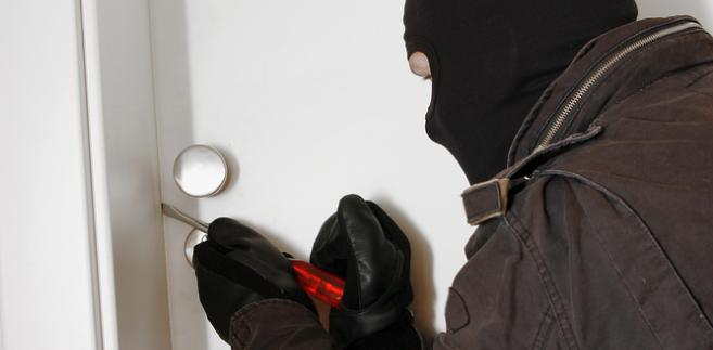 mieszkanie-włamanie-złodziej