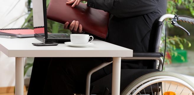 niepełnosprawni, praca, pracownik