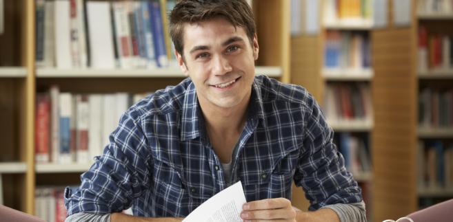 Pomoc materialna dla studenta bez PIT