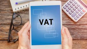 Jednostka podległa MON przy realizacji swoich zadań statutowych kupowała wyroby stalowe (m.in. druty, pręty, kształtowniki itp.) wymienione w załączniku nr 11 do ustawy o VAT.