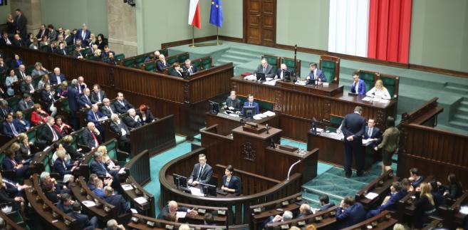 Sala obrad podczas posiedzenia Sejmu.