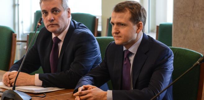 Wiceminister infrastruktury i budownictwa Jerzy Szmit i wiceminister transportu Rosji Nikołaj Asauł