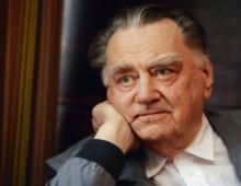 Jan Olszewski adwokat, obrońca w procesach politycznych od lat 60., działacz opozycji, premier rządu w latach 1991–1992