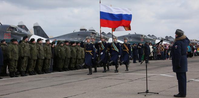 Syria: Rosja kontynuuje naloty bombowe wokół Palmiry