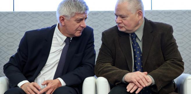Glapiński w lutym został powołany na członka zarządu Narodowego Banku Polskiego przez prezydenta Andrzeja Dudę; wnioskował o to prezes NBP prof. Marek Belka.