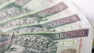 Zgodnie z wyrokiem TK kwota wolna od podatku w obecnej wysokości miała obowiązywać do końca listopada. MF planuje ją podwyższyć dopiero w 2018 roku.