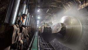 Górnicy z Sośnicy zwiększyli wydobycie z 7,1 tys. na dobę do 8–9 tys. ton, walcząc o życie kopalni fot. Andrzej Grygiel/PAP
