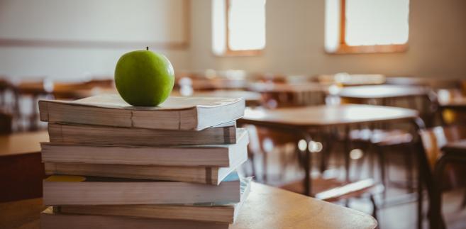 Całe zamieszanie wokół otwockich gimnazjum wzięło się z wadliwego zapisu w uchwale rady miasta z 30 marca 2017 r., nr XLVII/354/1, w sprawie dostosowania sieci szkół podstawowych i gimnazjów do nowego ustroju szkolnego.