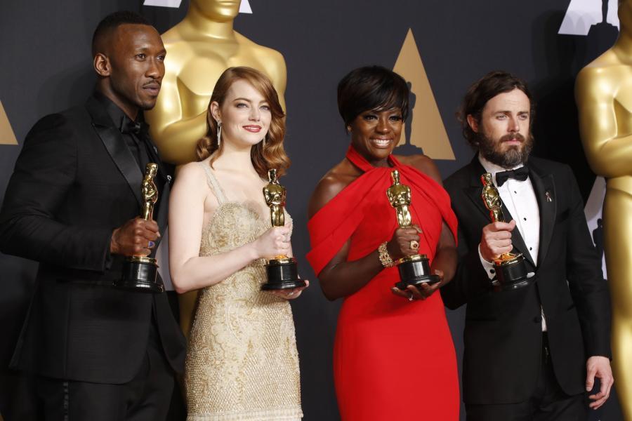 Mahershala Ali (Moonlight), Emma Stone ( La La Land), Viola Davis ( Fences) and Casey Affleck (Manchester b