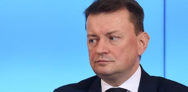 Minister Mariusz Błaszczak podkreślał, że nadzór ministra nad służbami według obecnie obowiązujących zasad jest niewystarczający.