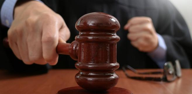 Jednak uczciwa analiza poczynań tak polityków, jak i sędziowskich decydentów prowadzi do gorzkiej konstatacji, iż w istocie obu siłom nie zależy na wykreowaniu obiektywnej ścieżki awansów sędziowskich
