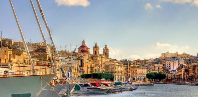 """Belgijski dziennik """"Le Soir"""" podaje, że koszt założenia spółki zależnej na Malcie to 1200 euro."""