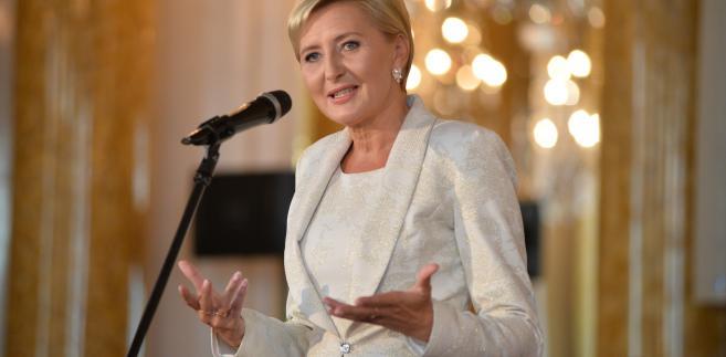 Małżonka prezydenta RP Agata Kornhauser-Duda znalazła się w gronie uhonorowanych Medalem św. Brata Alberta