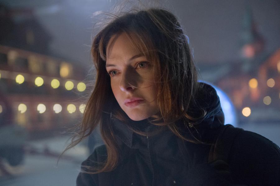 """Rebecca Ferguson w filmie """"Pierwszy śnieg"""" (2017)"""