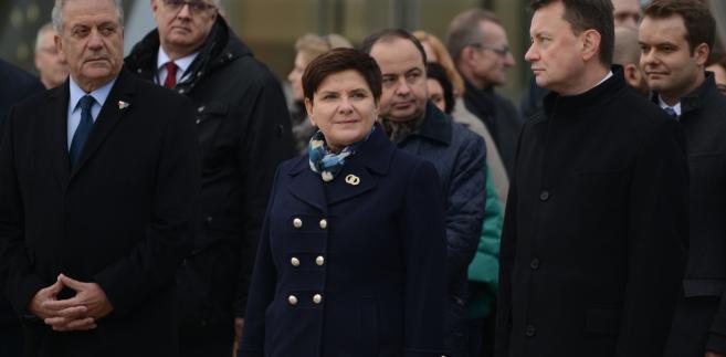 Unijny komisarz Dimitris Awramopulos, premier Beata Szydło, szef MSWiA Mariusz Błaszczak