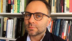 """Kacper Pobłocki antropolog, aktywista miejski. Jego nowa książka """"Kapitalizm. Historia krótkiego trwania"""" ukazała się nakładem Fundacji Bęc Zmiana"""
