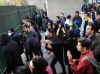 Iran: Nie ustają antyrządowe protesty. W Teheranie - starcia z policją