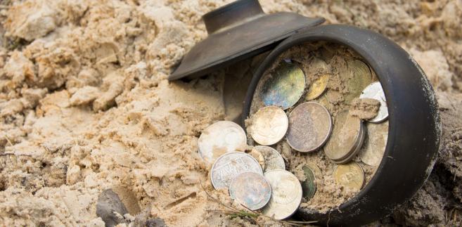 Od 2003 r. prowadzenie poszukiwań zabytków może się odbywać na podstawie pozwolenia wojewódzkiego konserwatora zabytków