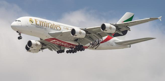 Flota Emirates to 269 szerokokadłubowych samolotów, które latają do 157 kierunków w 84 krajach Europy, Ameryki Północnej i Południowej, Bliskiego Wschodu, Afryki, Azji Południowej, Dalekiego Wschodu i Australii.
