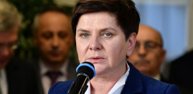 Z dokumentów opublikowanych na stronach sejmowych wynika, że premier Beata Szydło w 2017 roku otrzymała nagrody w łącznej wysokości 65 100 zł