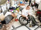 Przed Sejmem manifestacja poparcia dla protestujących niepełnosprawnych i ich opiekunów