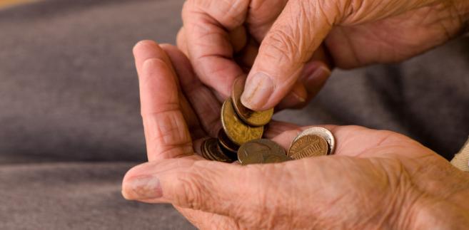 Wysokość renty rodzinnej z kolei stanowi równowartość 85 proc. świadczenia, które przysługiwałoby zmarłemu małżonkowi.