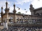 Hyderabad w Indiach. Uznanie Lonely Planet zdobył jako atrakcyjne cenowo dla turystów miejsce z bardzo smaczną kuchnia i bogatą ofertą kulturalną.