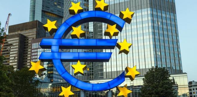 Słowa członka ECB (Constancio), iż bank centralny jest technicznie gotowy do wprowadzenia ujemnej stopy depozytowej, tylko zwiększyły presję na spadki wspólnej waluty.