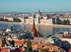8. miejsce - Budapeszt – należy do tych europejskich miast, które należy zobaczyć. Zajmuje czołowe miejsca w rankingu tanich i bardzo atrakcyjnych miast dla turystów.  Noclegi i restauracje w Budapeszcie oferują wysoki standard za przystępną cenę. Dzienny koszt pobytu w Budapeszcie nie powinien przekroczyć 31,49 USD.