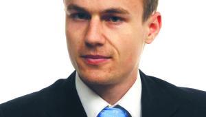 Robert Adamczyk starszy konsultant w dziale ubezpieczeń społecznych i środowiska pracy Alma Consulting Group Sp. z o.o.