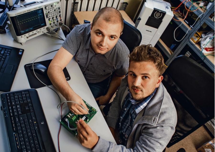 Jakub Tutro (z prawej) i Krzysztof Wesołowski nie nudzą się, szukając oryginalnych rozwiązań dla swoich klientów