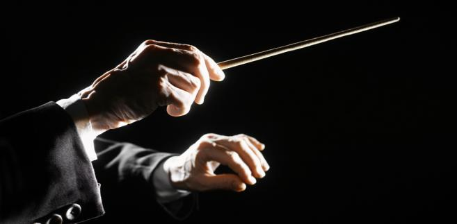 dyrygent, orkiestra, muzyk, koncert