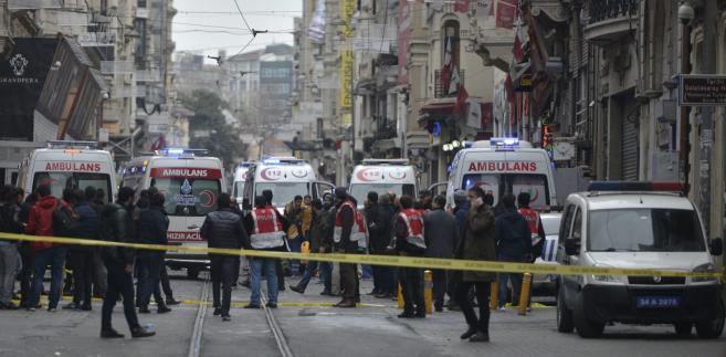 Zamach na ulicy Istiklal w Stambule.