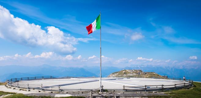 Włoskie media podały, że prawie połowa z byłych deputowanych, których dotkną redukcje, postanowiła odwołać się od tej decyzji.