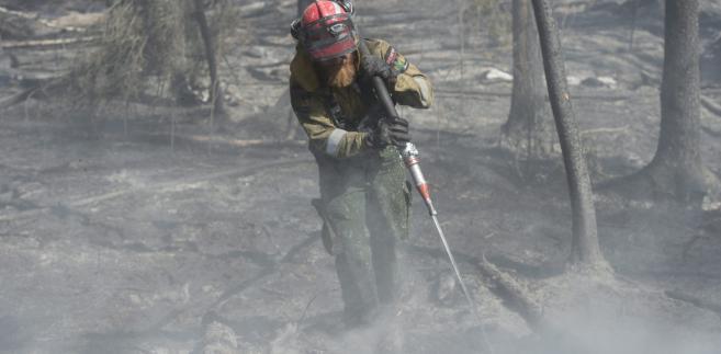 Gaszenie pożaru lasów w Kanadzie.