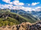 Górskie wieże i platformy widokowe przyciągają turystów, ale mają minusy