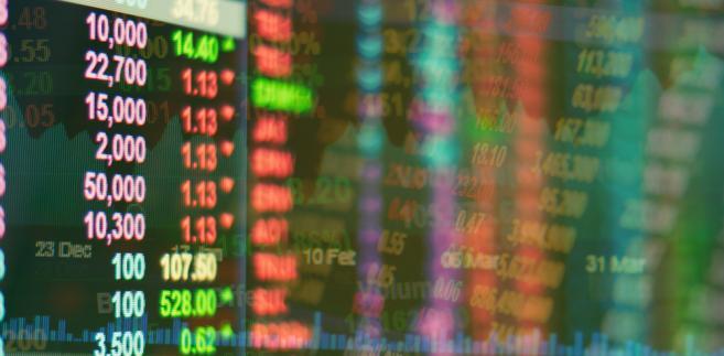 Na kursach akcji mniejszych spółek zaciążył też brak krajowego kapitału zainteresowanego inwestowaniem na giełdzie.