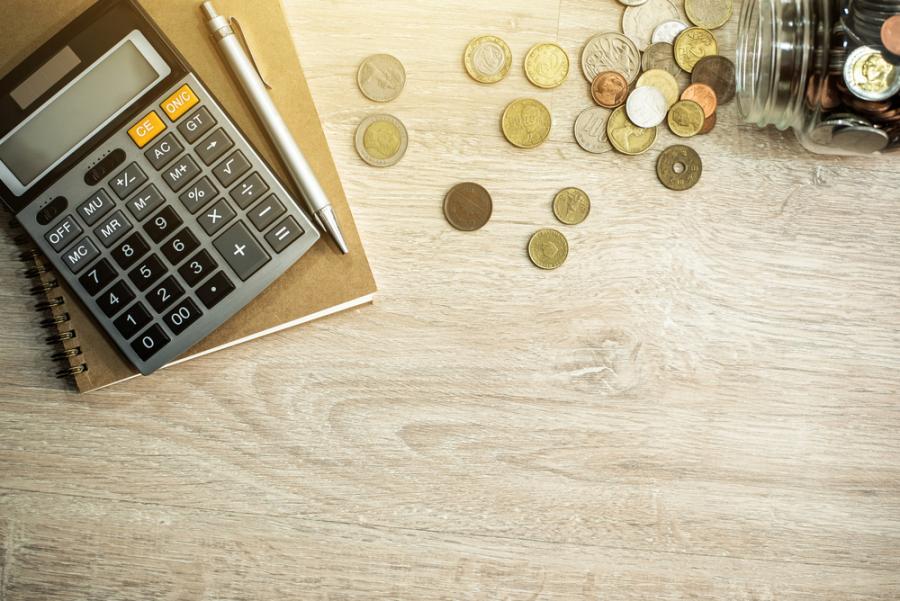 pieniądze, podatki, kalkulator