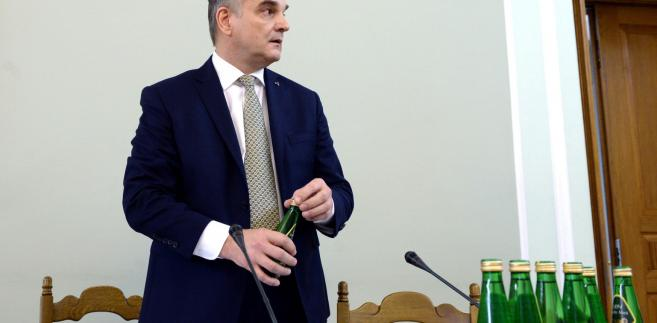 Politycy i media na podstawie raportu NIK formułują daleko idące tezy, a nawet wysuwają oskarżenia wobec byłego wicepremiera Waldemara Pawlaka