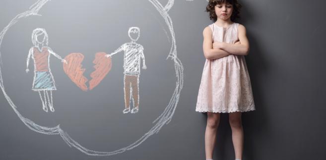 Pouczenie będzie elementem rodzinnego postępowania informacyjnego. Nowelizacja MS przewiduje, że będzie ono przeprowadzane obowiązkowo przed formalnym wniesieniem pozwu rozwodowego bądź sprawy o separację, jeśli rozstająca się para ma dzieci.