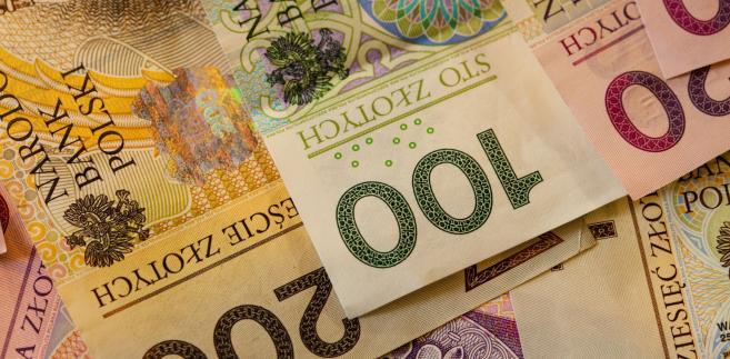 """- W wyniku powyższych zmian, wydatki na obsługę długu Skarbu Państwa zmniejszą się do kwoty 29.800.000 tys. zł"""" - napisano w uzasadnieniu"""