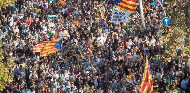 Gdyby Katalonia dostała taką niezależność fiskalną, jak Kraj Basków, większość mieszkańców poparłaby pozostanie w Hiszpanii